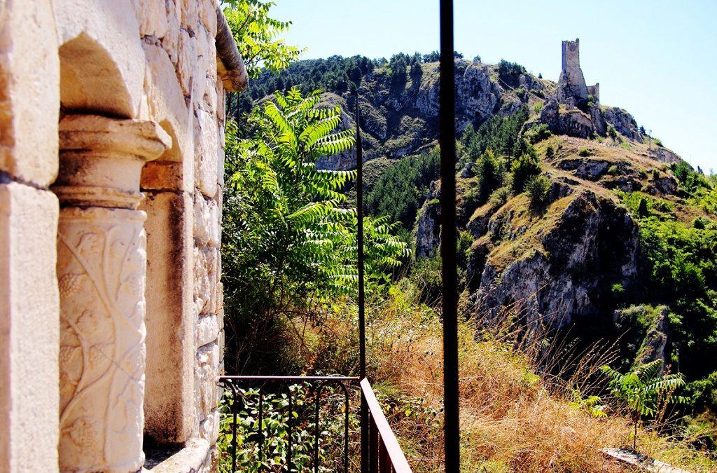 Pescina, Abruzzo. Veduta del Castello